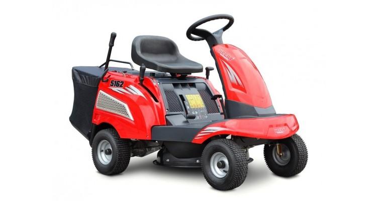 Tractor cu autopropulsie pentru tuns iarba